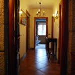 Pasillo de La Casa de Don Alfonso en Cerdedo, turismo rural