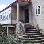 Escaleras de piedra de entrada a La Casa de Don Alfonso