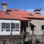 Fachada delantera de La Casa de Don Alfonso en Cerdedo, Pontevedra