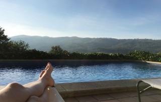 Disfrutando de la piscina de La Casa de Don Alfonso en octubre