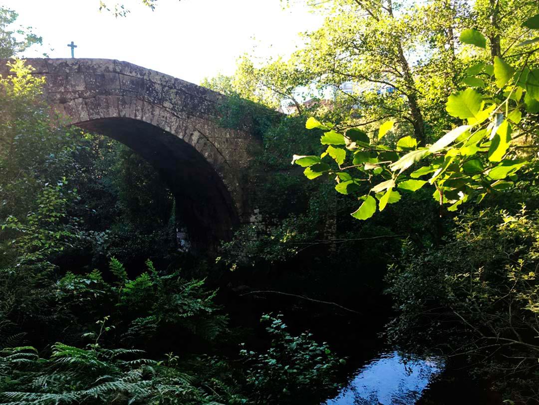 Puente romano en Cerdedo, cerca de La Casa de Don Alfonso