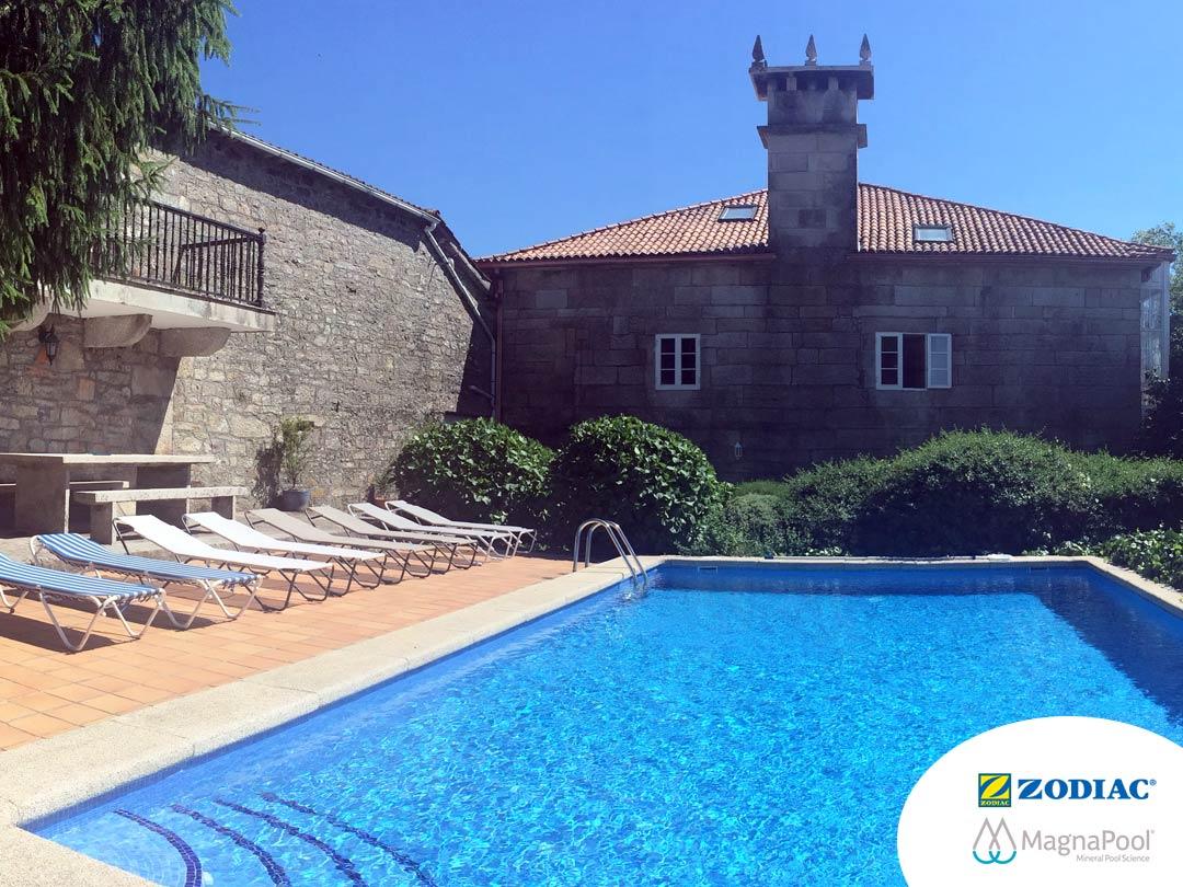 Sistema MagnaPool en la piscina La Casa de Don Alfonso en Cerdedo