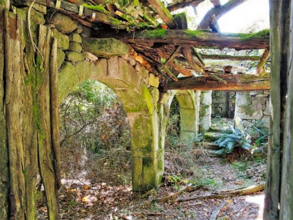 A Casa da Peste en Cerdedo-Cotobade, cerca de La Casa de Don Alfonso
